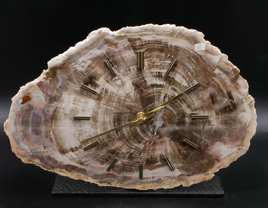 versteinertes Holz Uhr